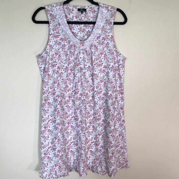 Aria Other - ARIA collection 60/40 cotton/poly night gown.EUC